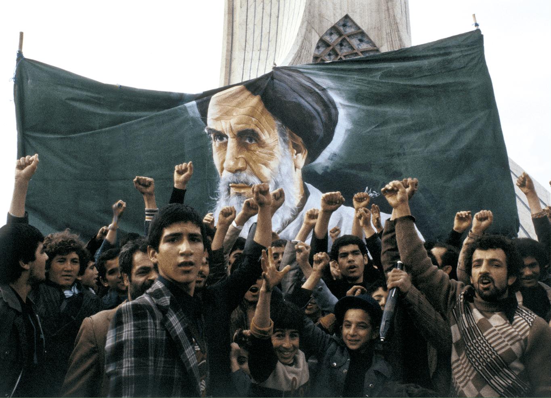 Angelo Cozzi, Iraniens manifestant contre le régime du Chah
