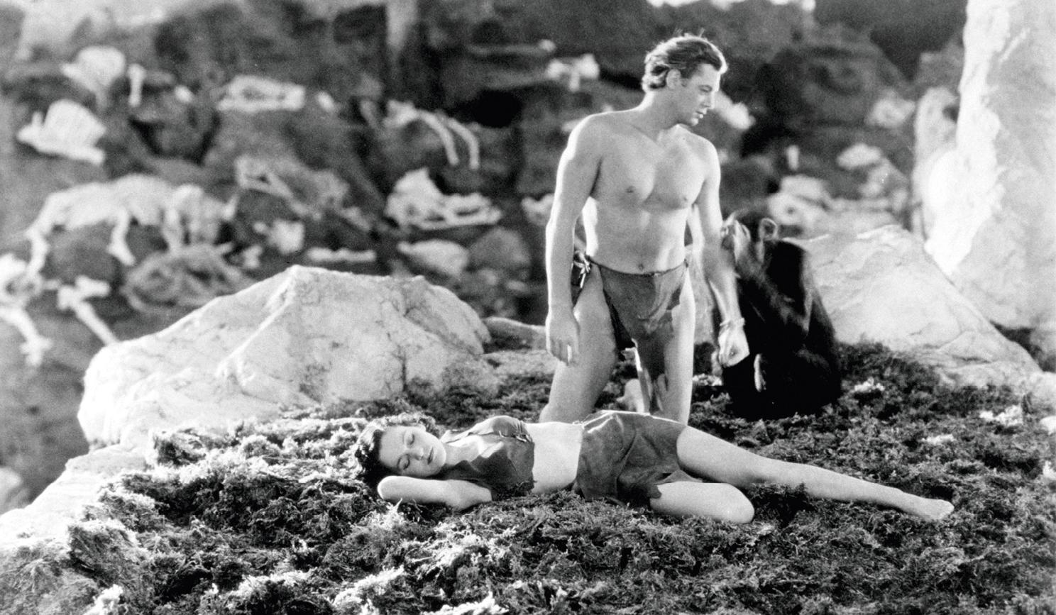 Johnny Weissmuller et Maureen O'Sullivan dans le film Tarzan et sa compagne, réalisé par Cedric Gibbons et Jack Conway, 1934.