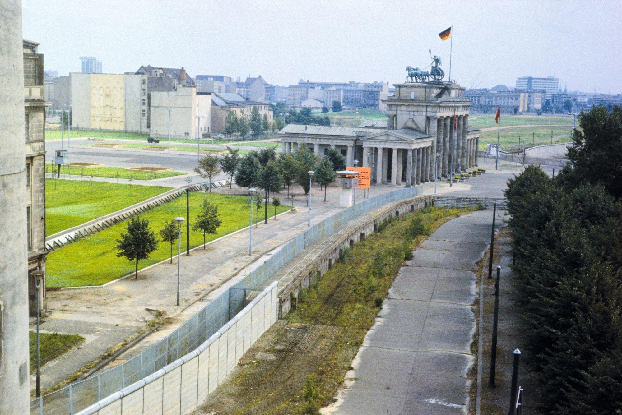 Le mur de Berlin et la porte du Brandebourg