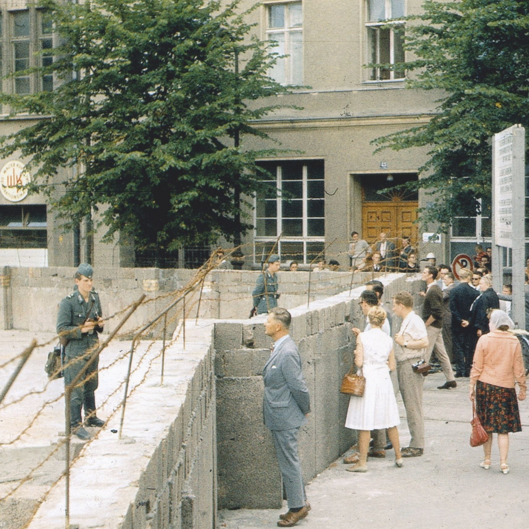 Construction du mur sur la Lindenstrasse, 13 août 1961, photographie