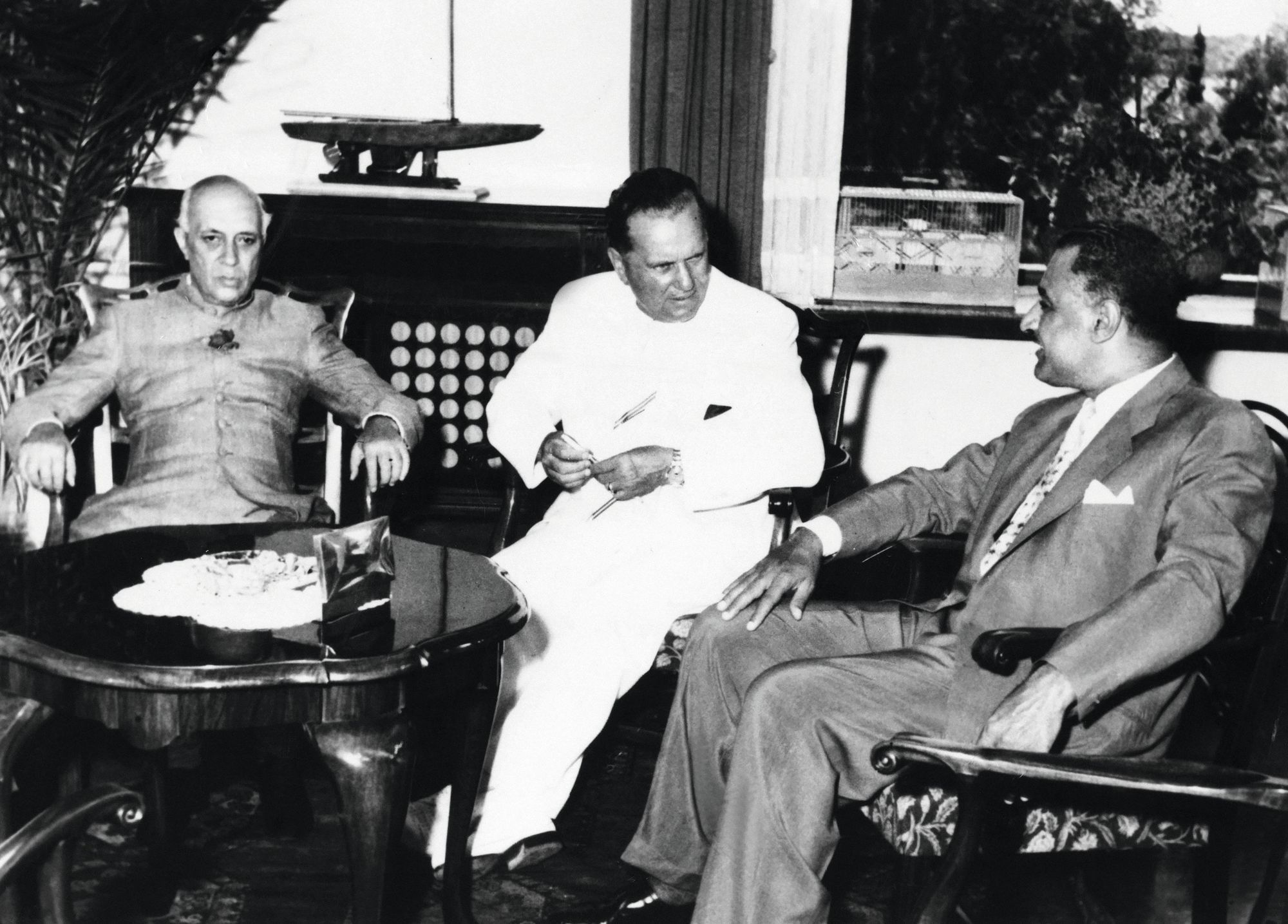 Anonyme, Nehru, Tito et Nasser lors d'une conférence 8 juillet 1956, photographie.