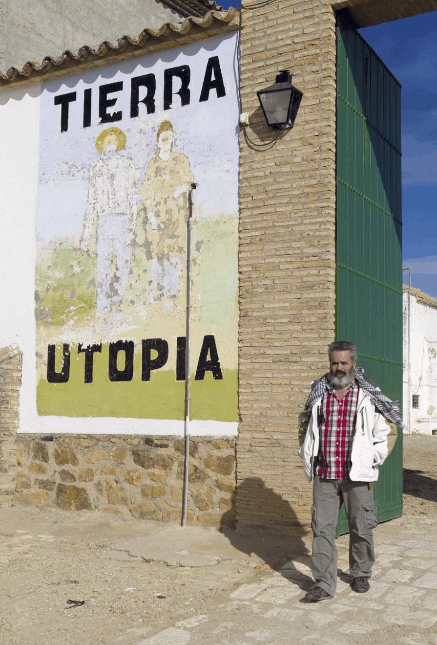 Juan Manuel Sánchez Gordillo, alcalde de Marinaleda, Andalucía, saliendo de su cortijo, 2013