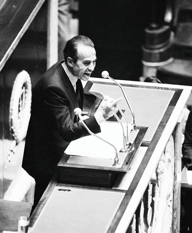 Robert Badinter à la tribune, défendant la loi d'abolition de la peine de mort en 1981.