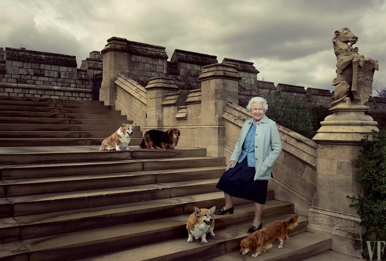 Queen Elizabeth II and her corgis, Vanity Fair, Annie Leibovitz, 2016