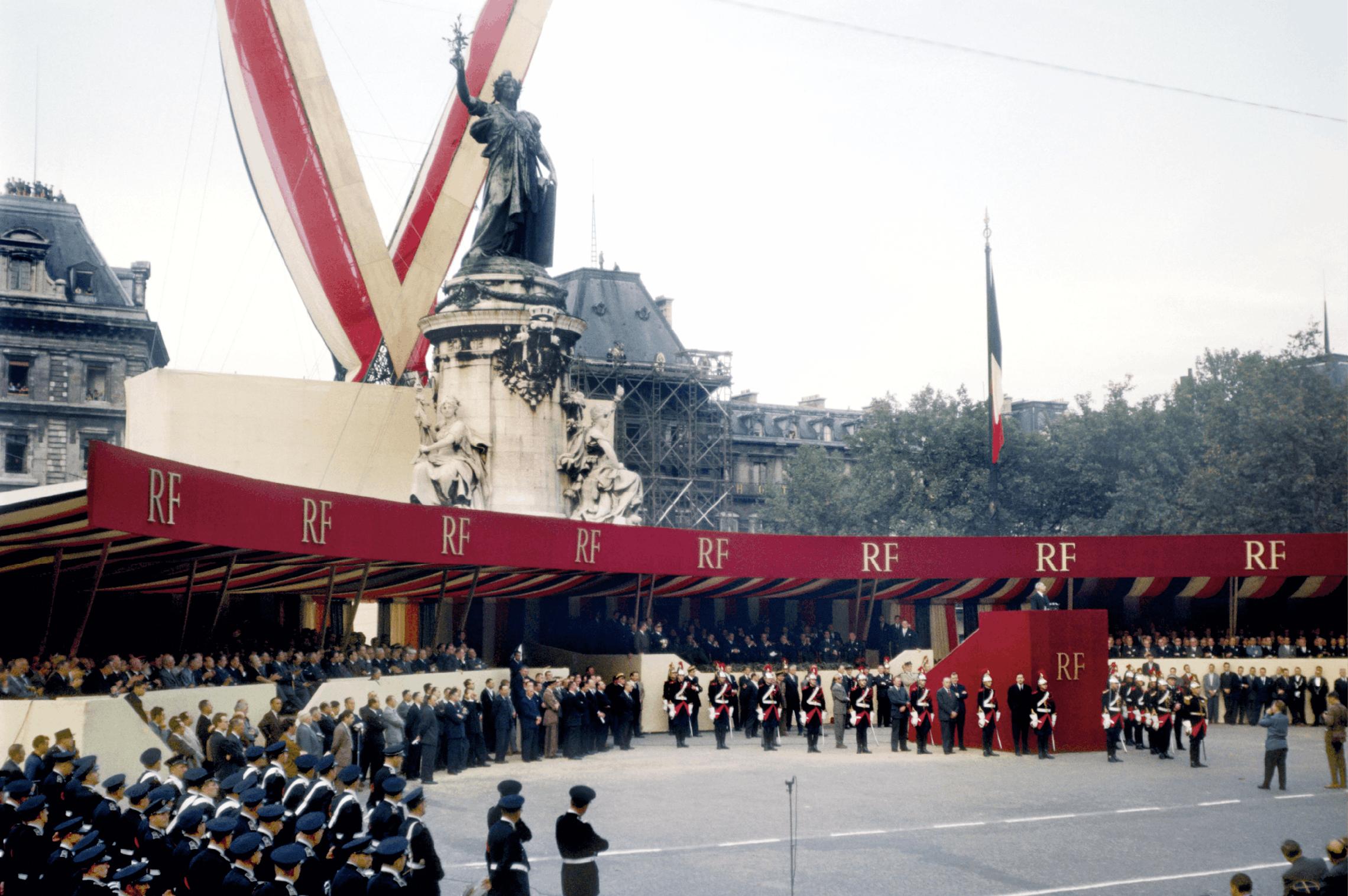 De Gaulle, un nouveau régime, une politique de grandeur