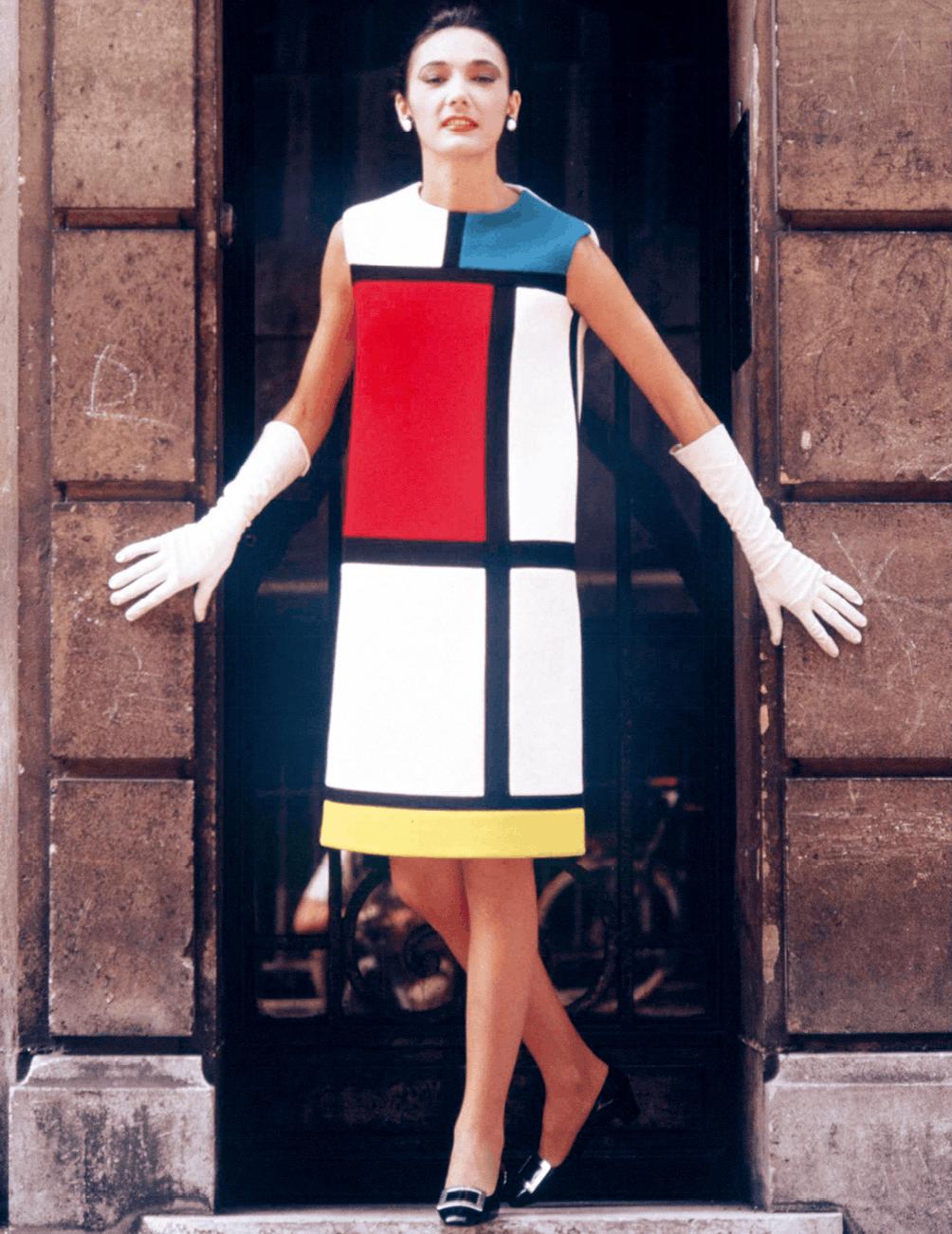 Louis Dalmas, Muriel portant une « robe Mondrian », juillet 1965, photographie.