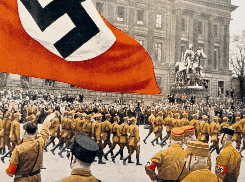 Hitler saluant un défilé du Parti nazi à Brunswick, 18 octobre 1931, photographie anonyme.