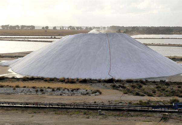 Colline de sel aux Salins du Midi à Salin-de-Giraud