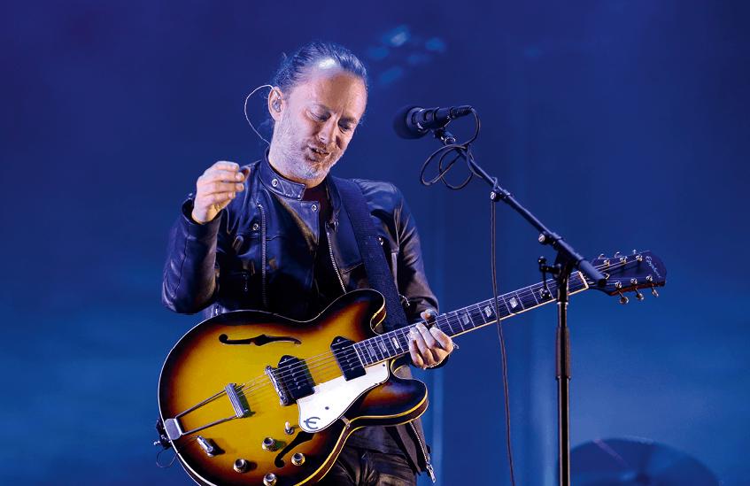 Thom Yorke, Radiohead concert.
