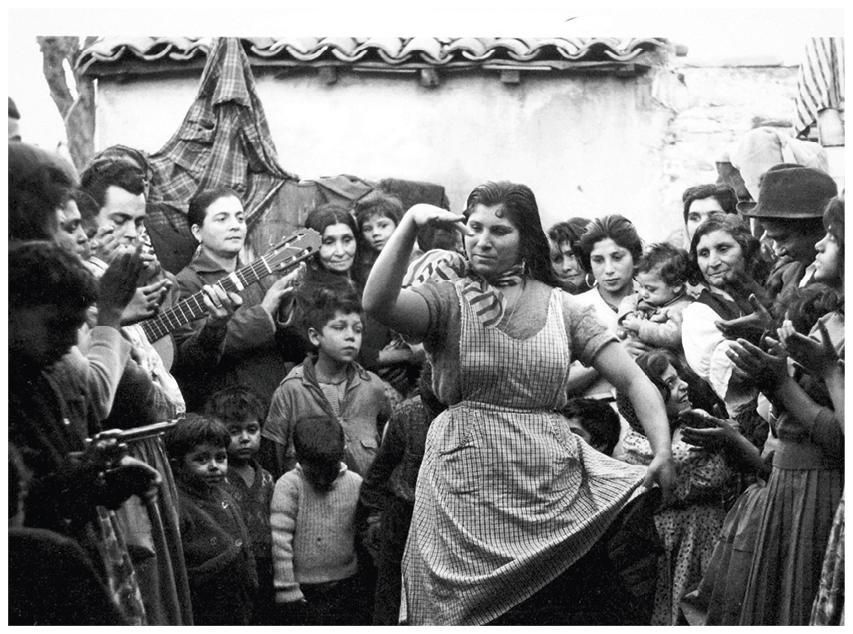 Colita (Isabel Steva Hernández), Juerga gitana en Montjuich, Barcelona, España, 1940