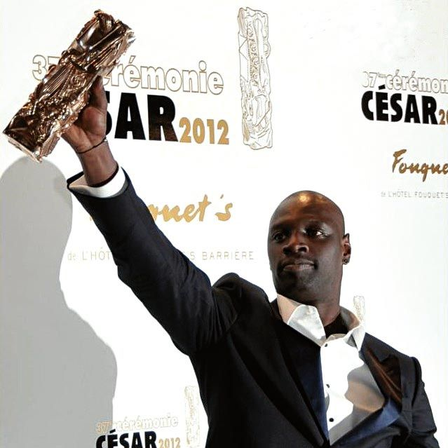 <stamp theme='his-green2'>Doc. 4</stamp> Omar Sy
