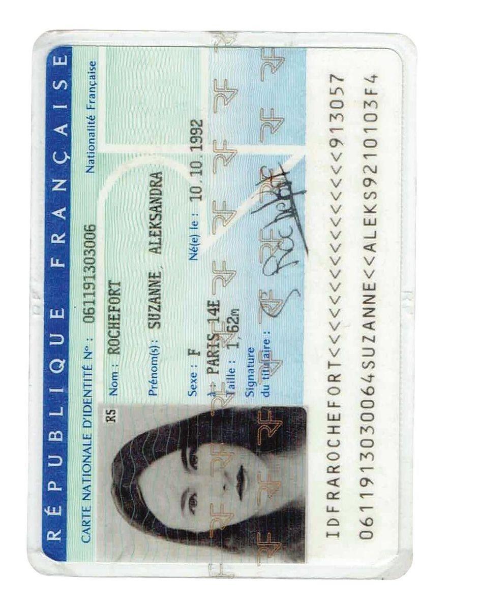 <stamp theme='his-green2'>Doc. 2</stamp> Les papiers d'identité