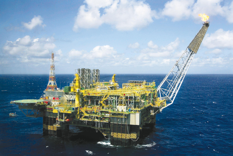 <stamp theme='his-green2'>Doc. 3</stamp> Une plate-forme pétrolière offshore (Campos Basin, Brésil)