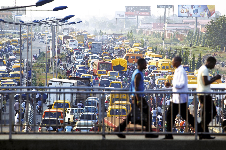 <stamp theme='his-green2'>Doc. 3</stamp> La croissance mal maîtrisée de Lagos