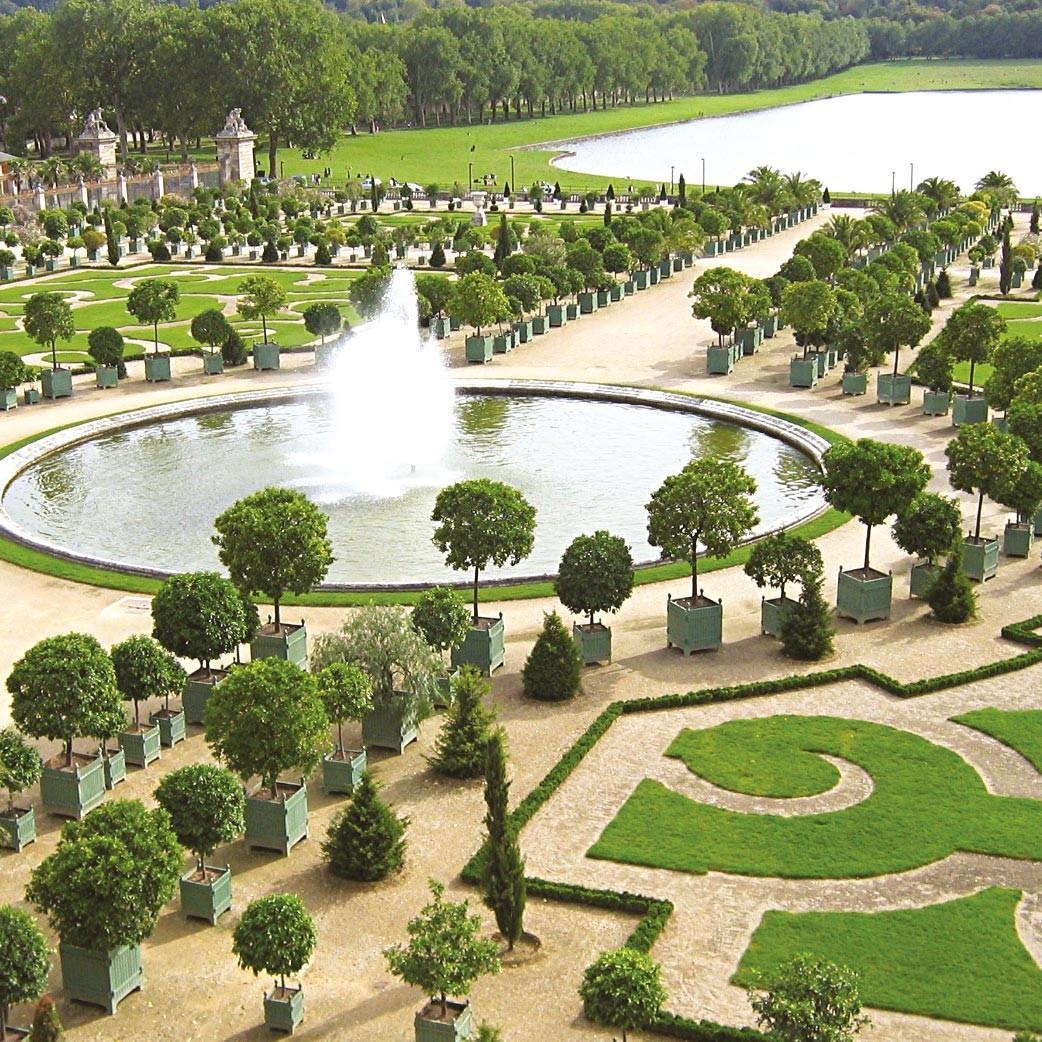 <stamp theme='his-green2'>Doc. 1</stamp> Le château (vu depuis le bassin d'Apollon) et ses jardins à la française