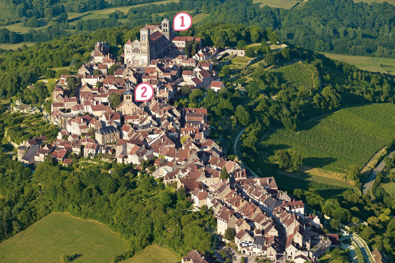 <stamp theme='his-green2'>Doc. 1</stamp> Vézelay (Yonne), sur les chemins de Compostelle