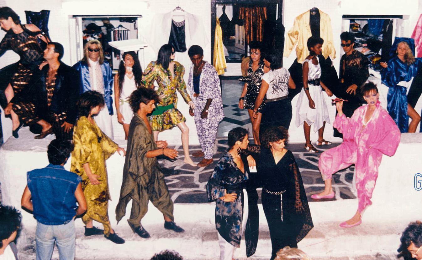 Tassos Vrettos, défilé de mode à Athènes, années 1980, photographie.