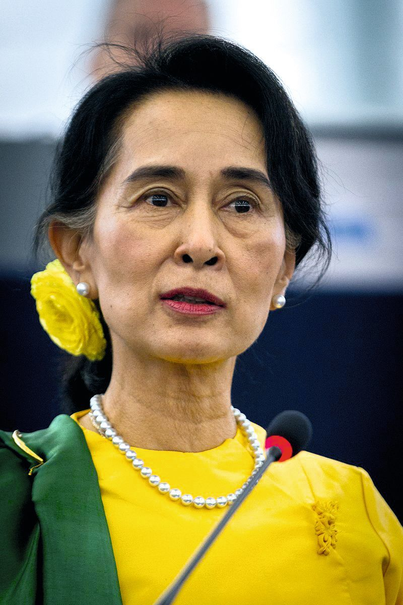 Aung San Suu Kyi (1945)