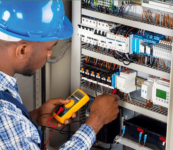 Électricien/ne installateur/trice - Branchement d'un tableau électrique