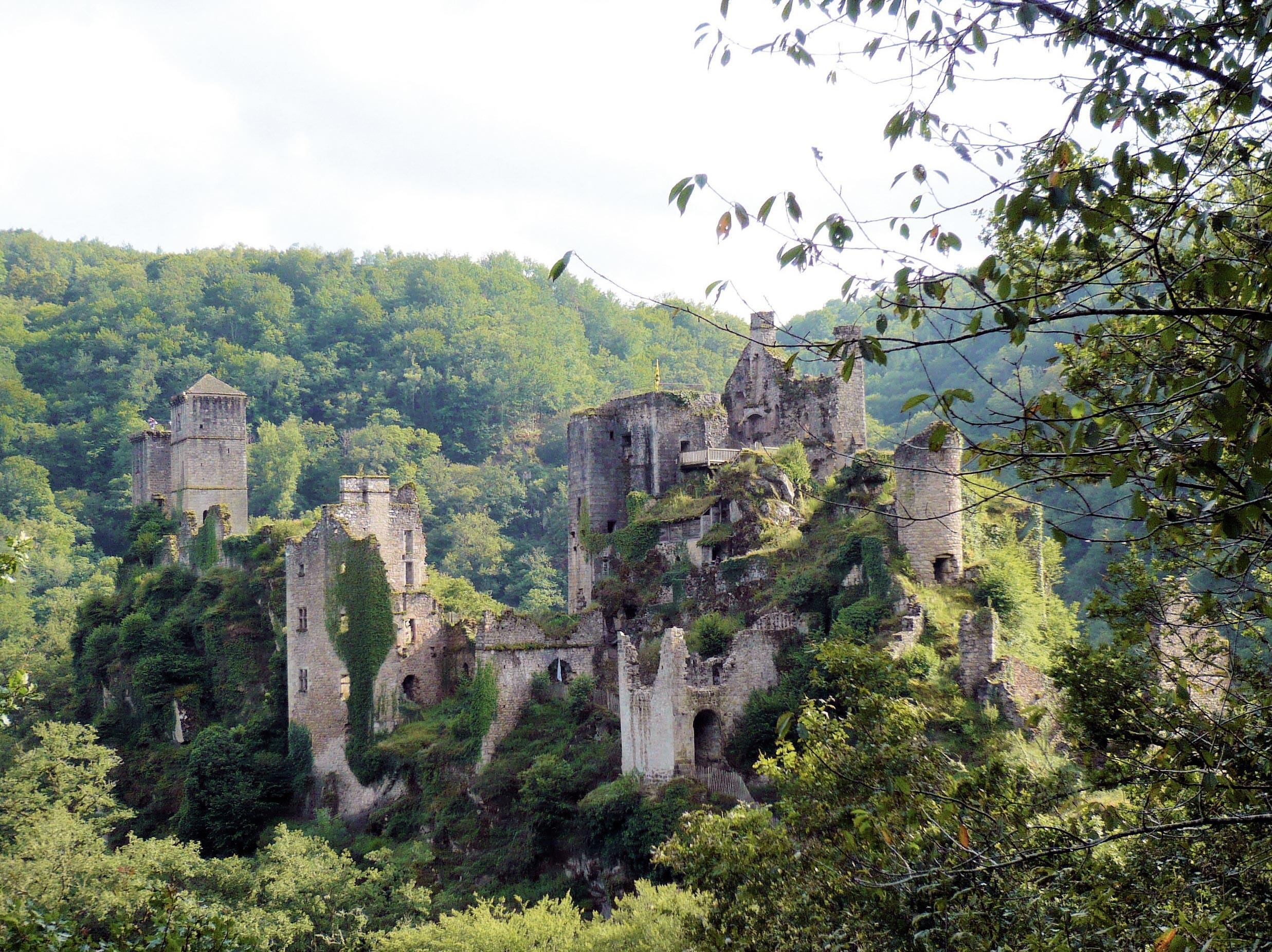 Ex. 8 Un château en Corrèze