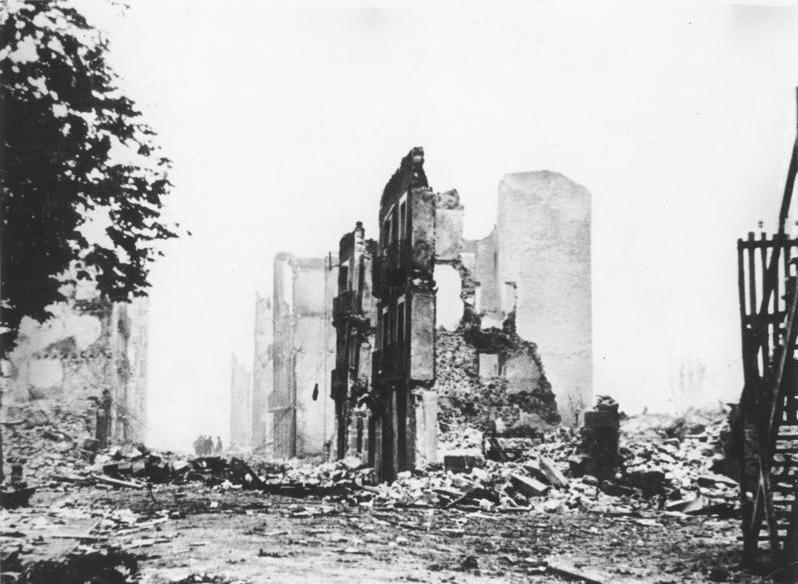 Guernica después del bombardeo