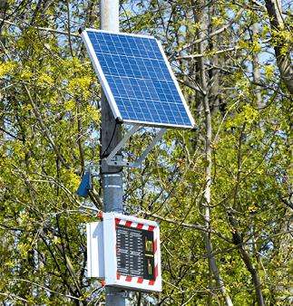 Radar équipé d'un panneau solaire