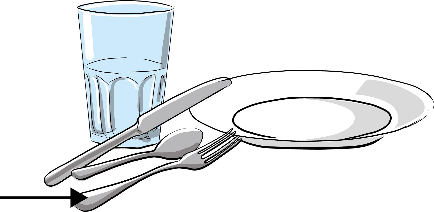 Assiette, verre, couteau, fourchette et cuillière