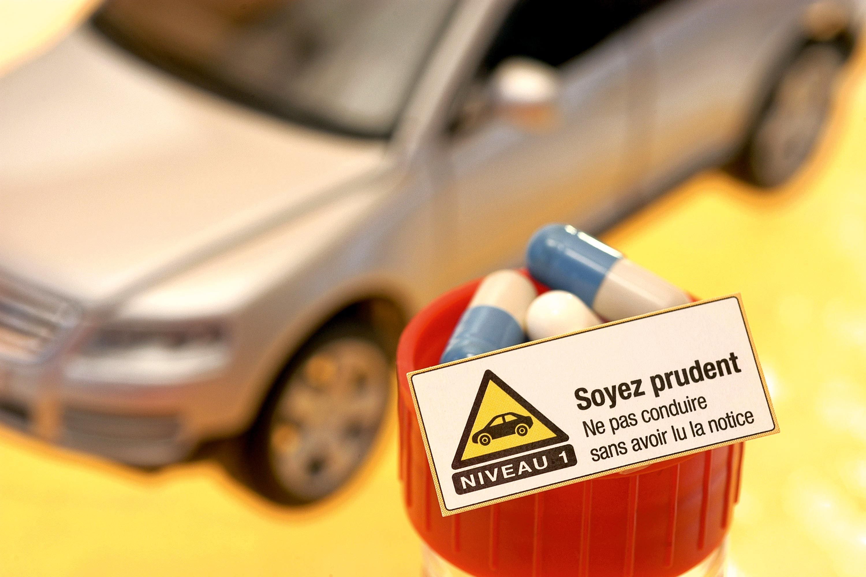 <stamp theme='svt-green1'>Doc. 1</stamp> Une affiche publicitaire sur les effets secondaires d'un médicament.