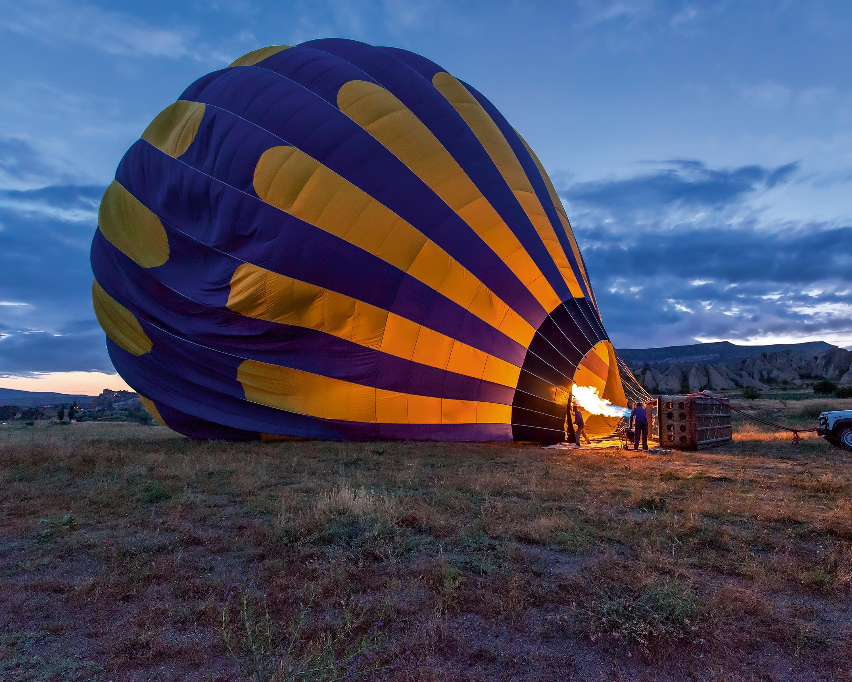 <stamp theme='svt-green1'>Doc. 2</stamp> Le décollage d'une montgolfière.