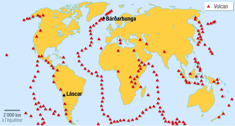 <stamp theme='svt-green1'>Doc. 3</stamp> La répartition des volcans terrestres et sous-marins sur Terre.