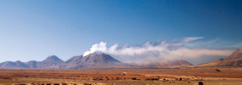 <stamp theme='svt-green1'>Doc. 4</stamp> L'éruption du volcan Láscar au Chili en 2006.