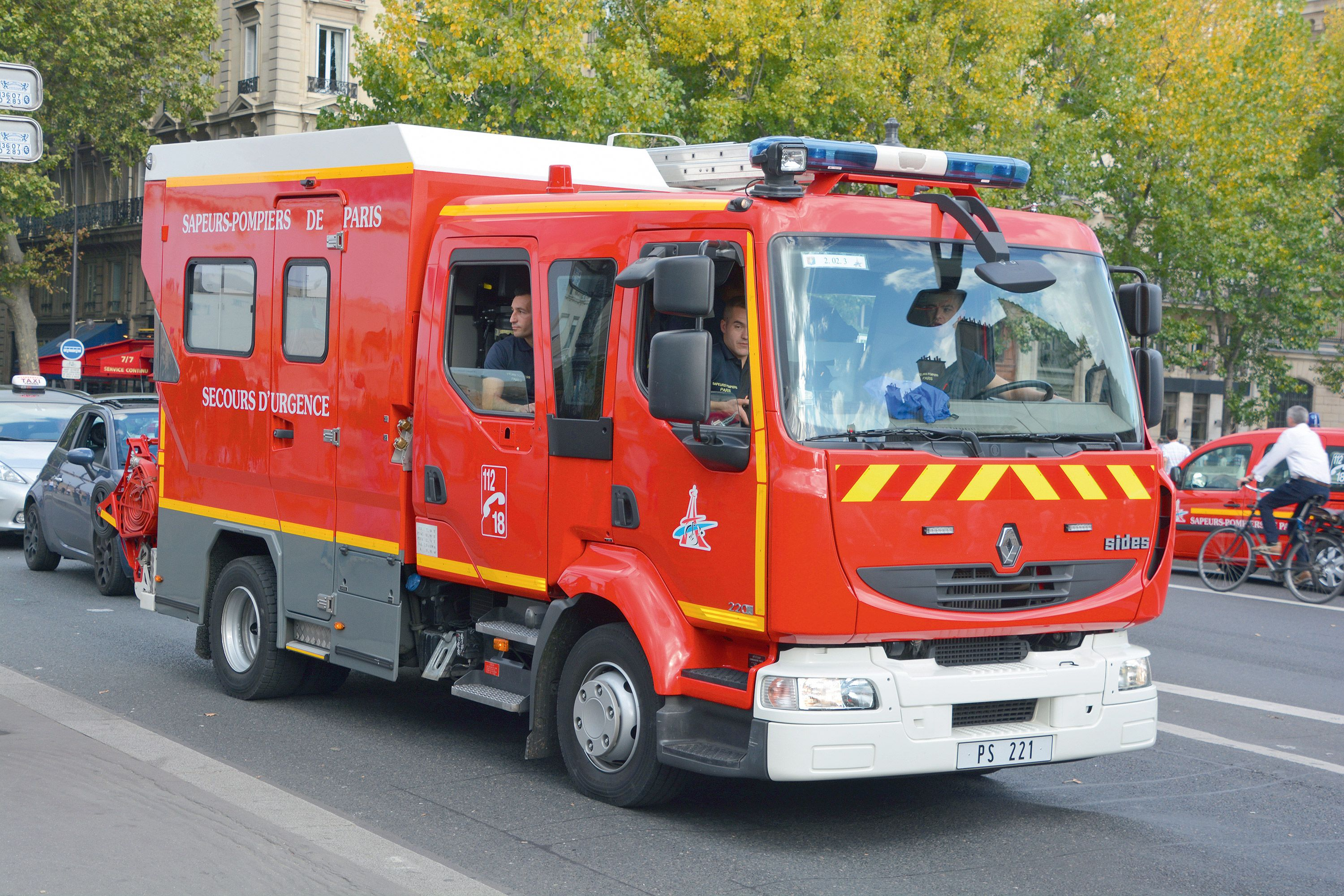 <stamp theme='pc-green1'>Doc. 1</stamp> Véhicule d'intervention des pompiers.