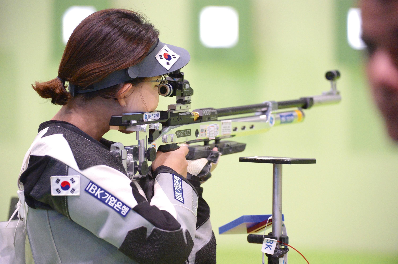 <stamp theme='pc-green1'>Doc. 1</stamp> Épreuve de tir aux Jeux Olympiques de Rio en 2016.