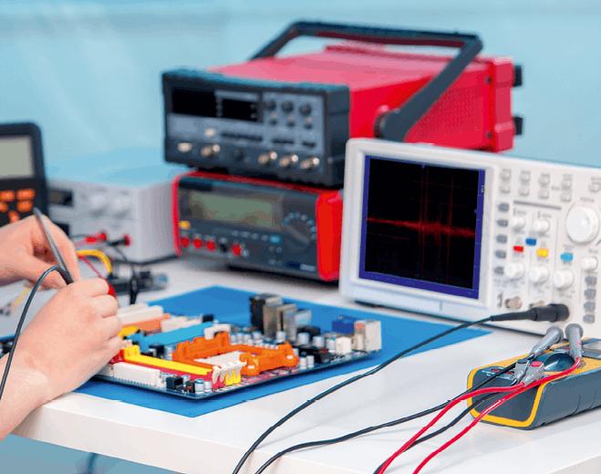 PC - chapitre 21 - Évolutions temporelles dans un circuit capacitif - exercice corrigé - Charge d'un condensateur