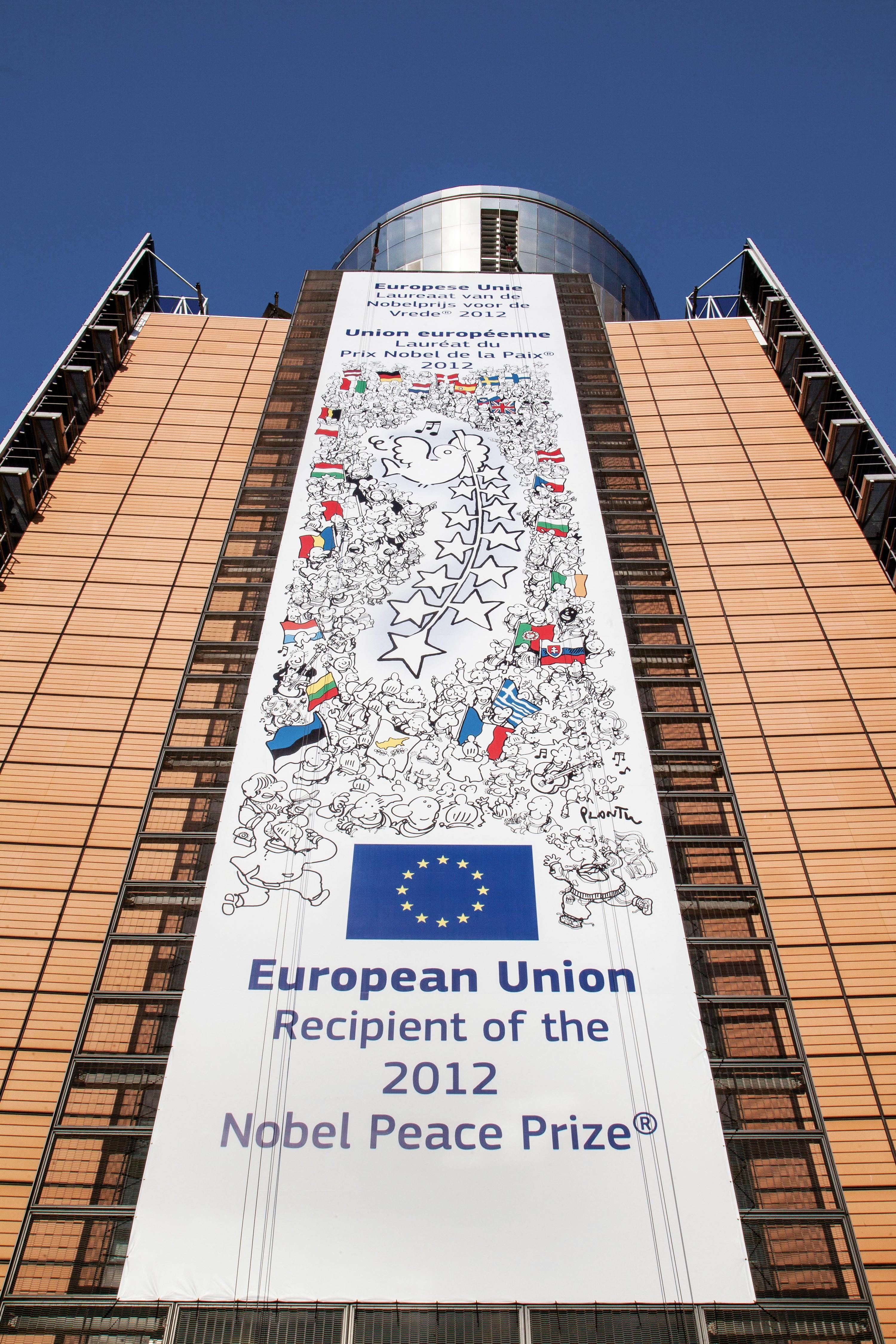 <stamp theme='his-green2'>Doc. 2</stamp> L'UE reçoit le prix Nobel de la paix en 2012