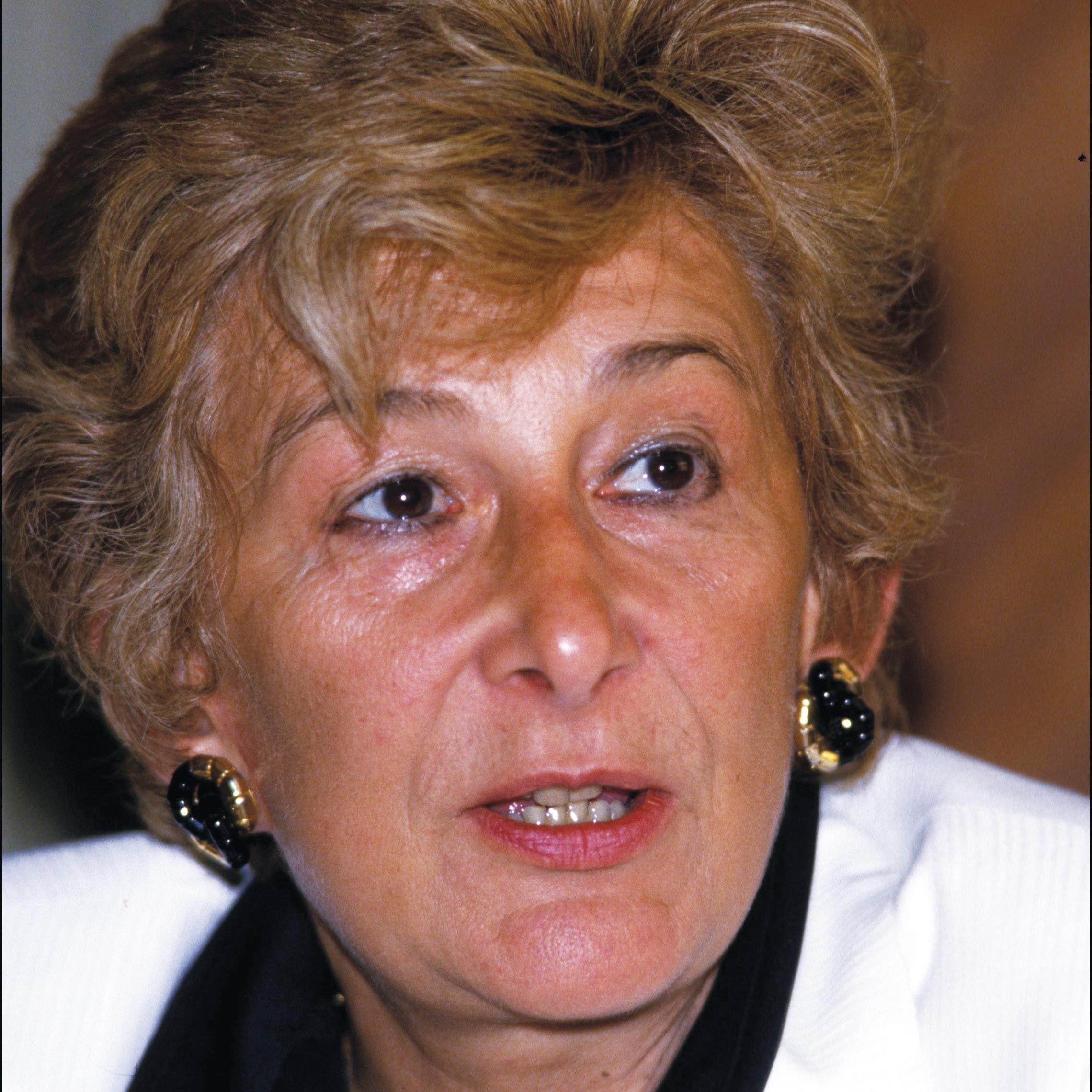 <stamp theme='his-green2'>Doc. 5</stamp> Yvette Roudy (1929-)