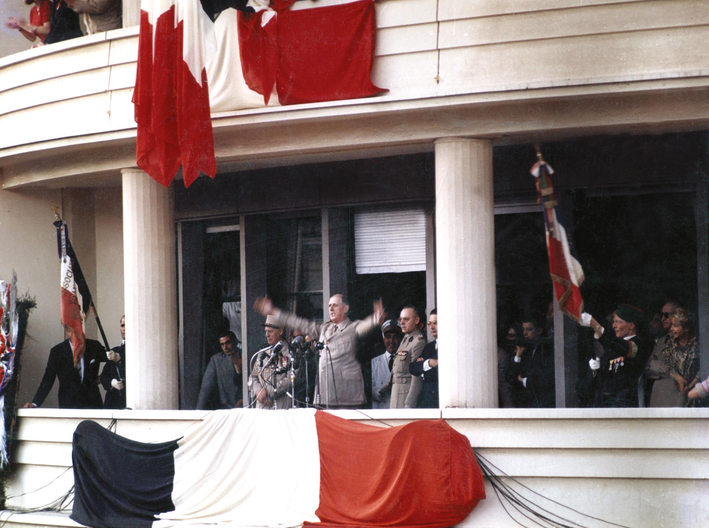 <stamp theme='his-green2'>Doc. 1</stamp> De Gaulle à Alger, 4 juin 1958.