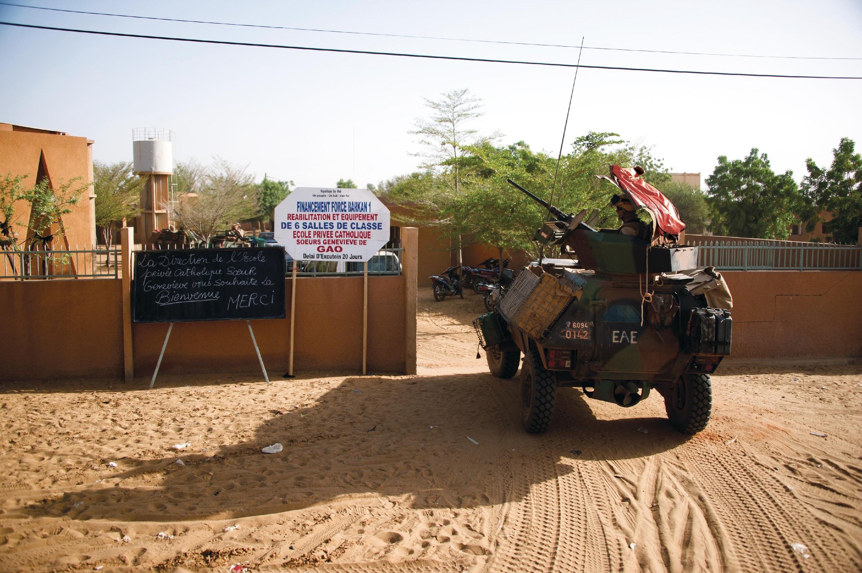 <stamp theme='his-green2'>Doc. 4</stamp> Images oficielles de l'opération Barkhane