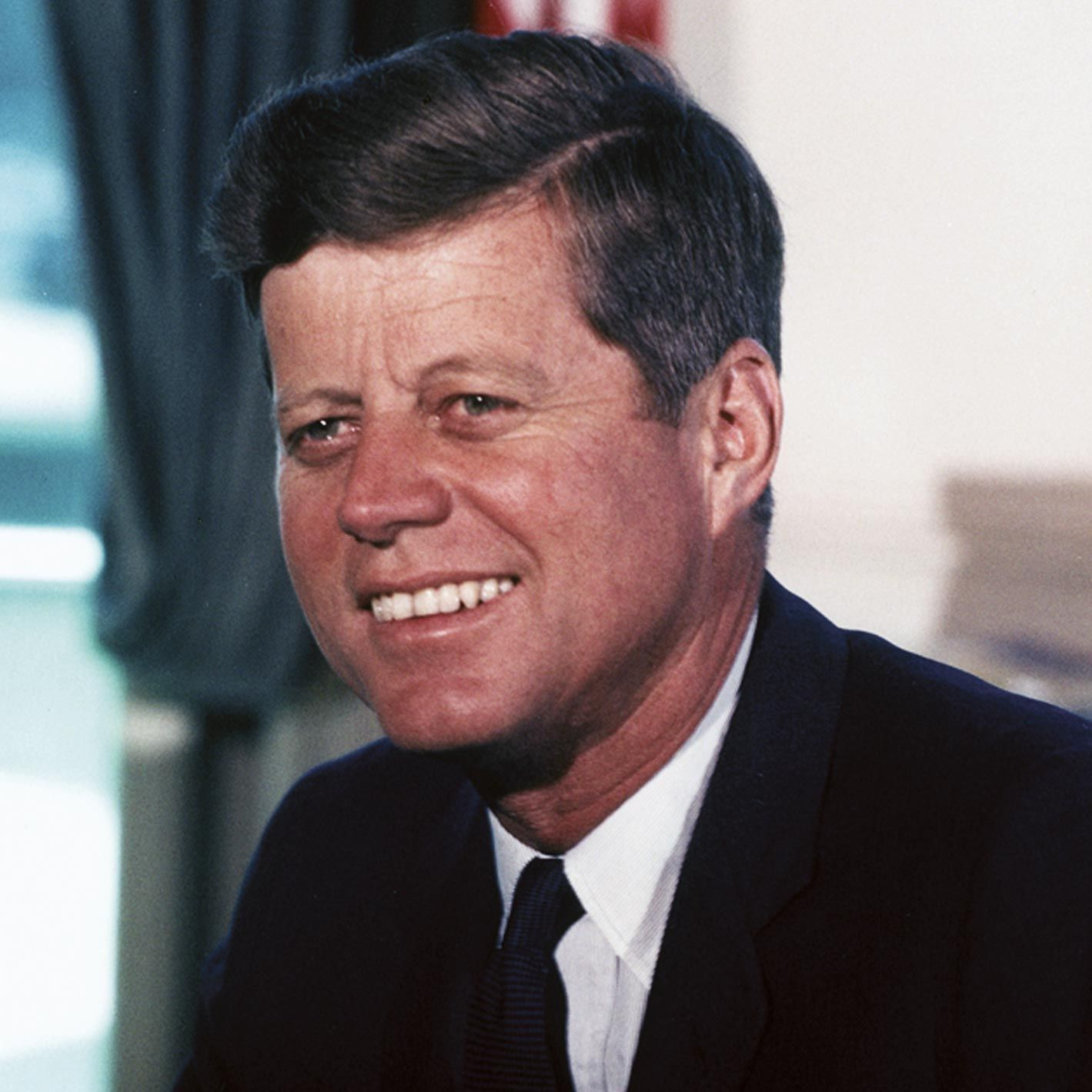 <stamp theme='his-green2'>Doc. 3</stamp> John F. Kennedy (1917-1963)