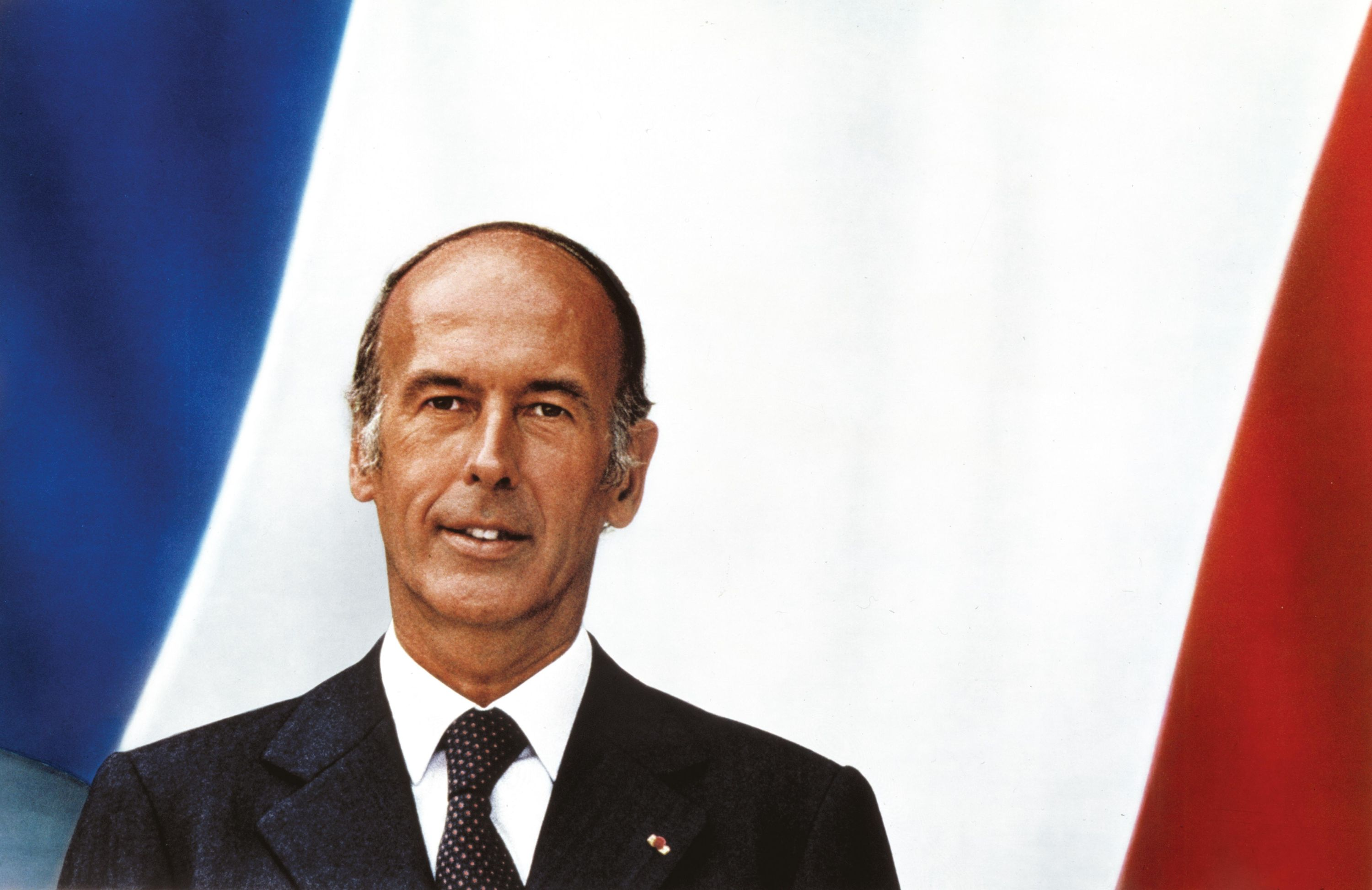 <stamp theme='his-green2'>Doc. 4</stamp> Giscard d'Estaing président