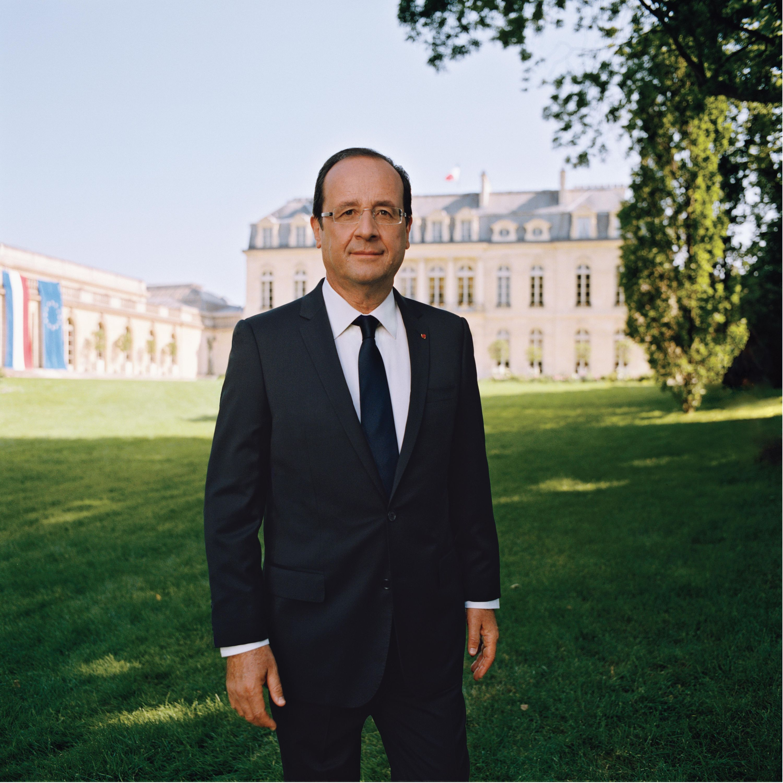 <stamp theme='his-green2'>Doc. 8</stamp> Hollande président