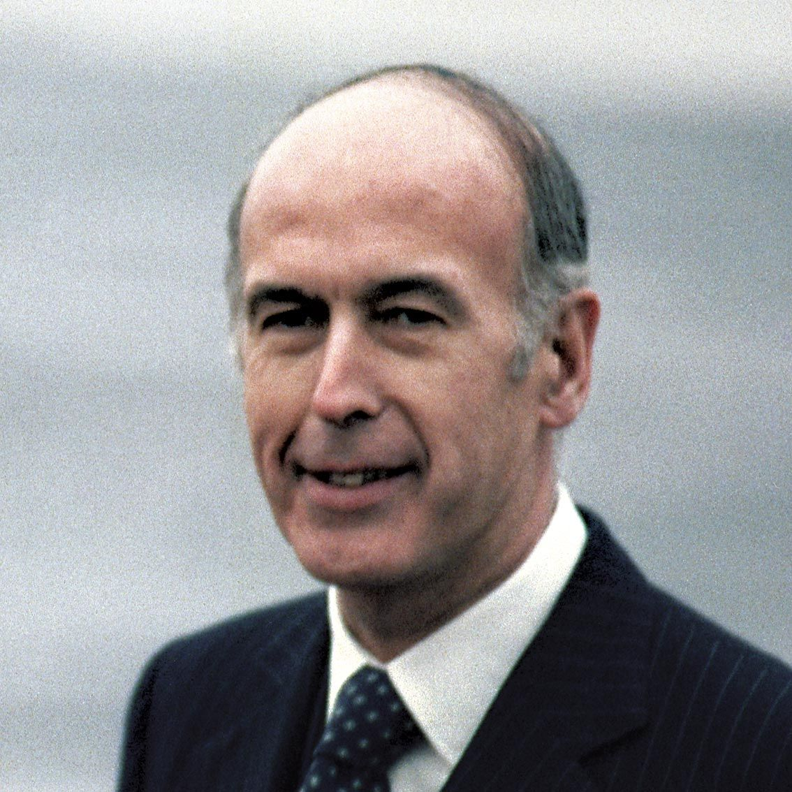 <stamp theme='his-green2'>Doc. 10</stamp> Valéry Giscard d'Estaing  (1926-)