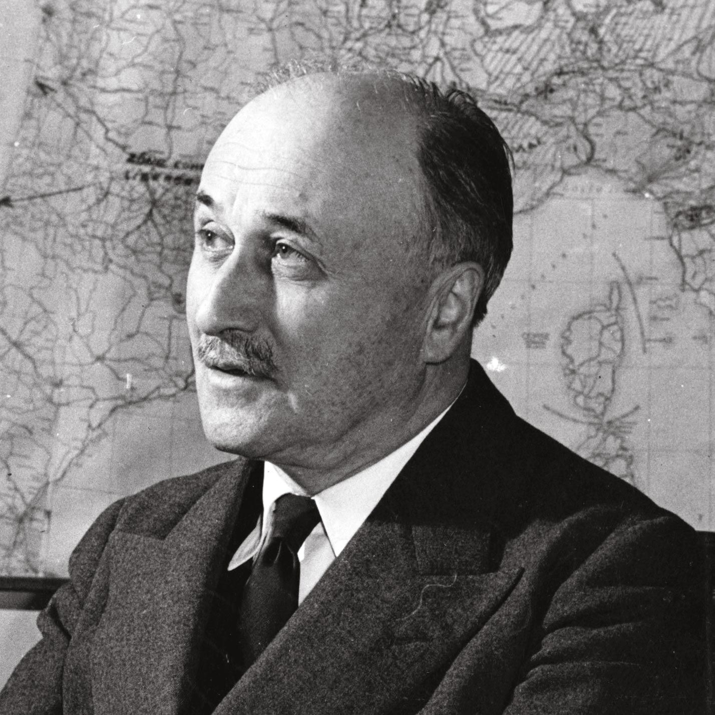 <stamp theme='his-green2'>Doc. 1</stamp> Jean Monnet (1888-1979)