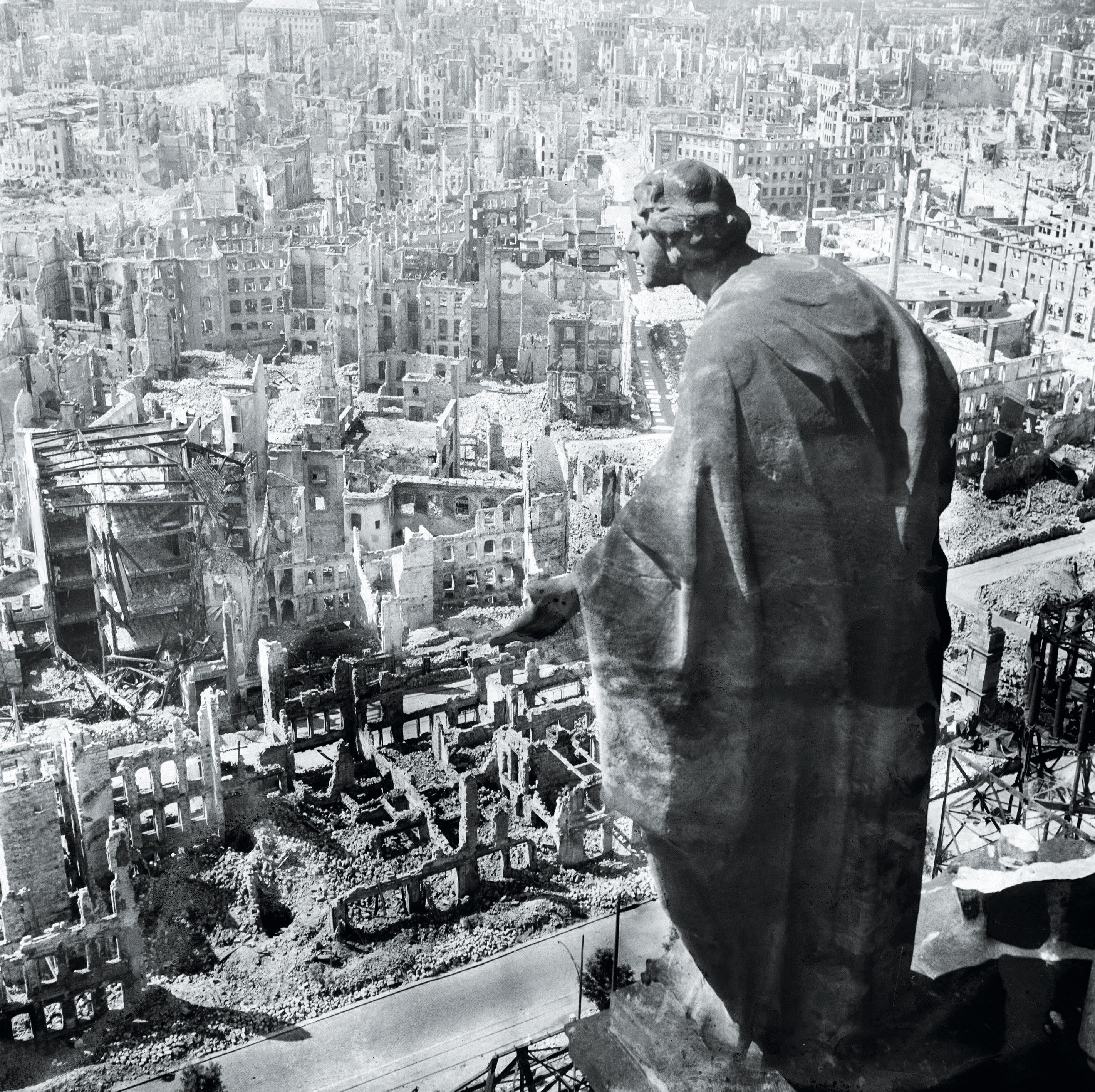 <stamp theme='his-green2'>Doc. 1</stamp> L'Allemagne bombardée par les Alliés