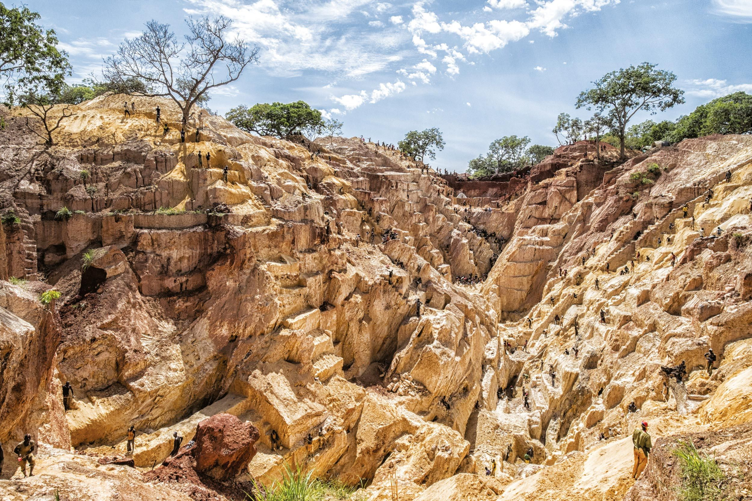 Une mine d'or exploitée illégalement en Centrafrique