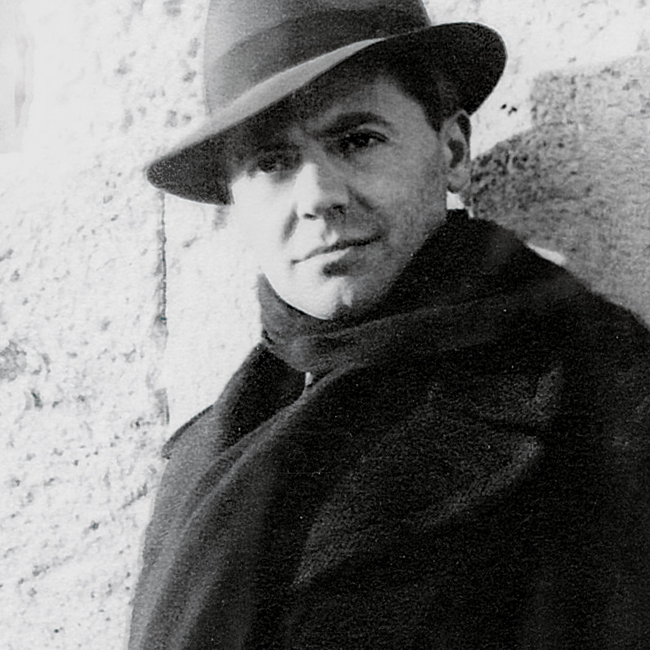 <stamp theme='his-green2'>Doc. 3</stamp> Jean Moulin (1899-1943)