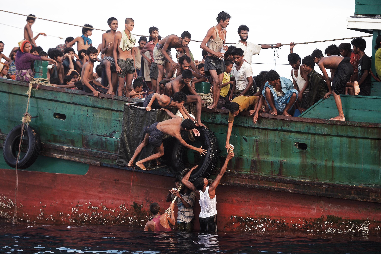 <stamp theme='his-green2'>Doc. 2</stamp> Des migrants rohingya au large de la Thaïlande