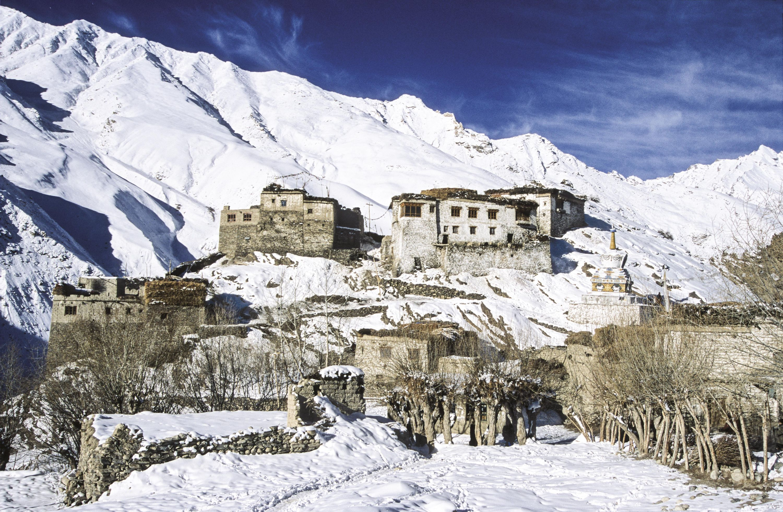 <stamp theme='his-green2'>Doc. 4</stamp> Un monastère bouddhiste en hiver