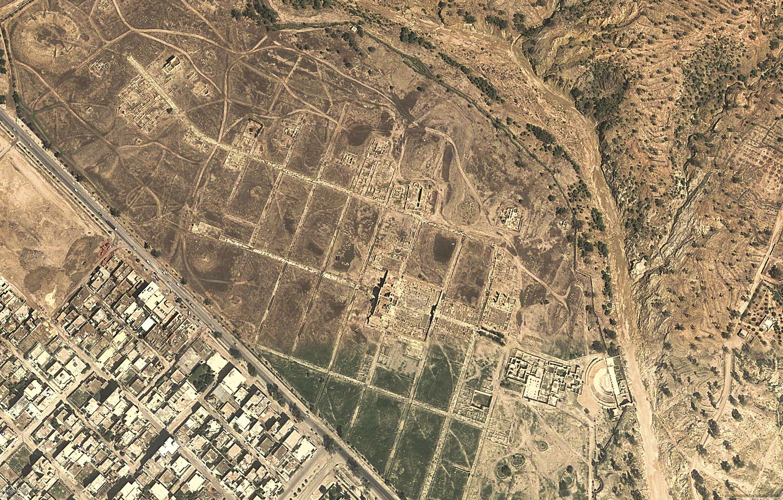 <stamp theme='his-green2'>Doc. 1</stamp> Vue aérienne et plan du site archéologique de Sufetula