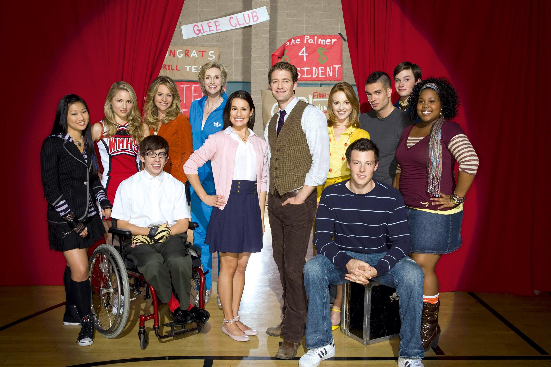 <stamp theme='esp-blue'>Doc. 1</stamp> Glee club